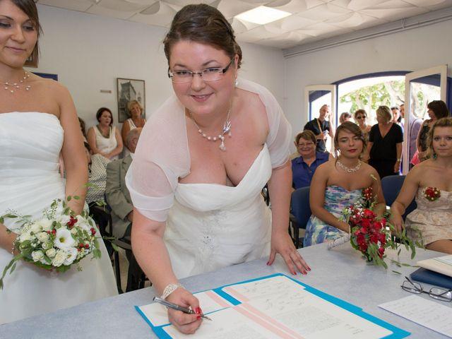 Le mariage de Daria et Emilie à Remoulins, Gard 19