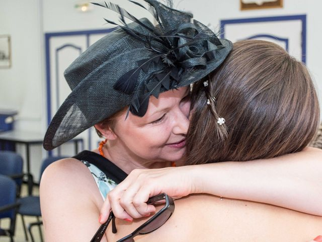 Le mariage de Daria et Emilie à Remoulins, Gard 21