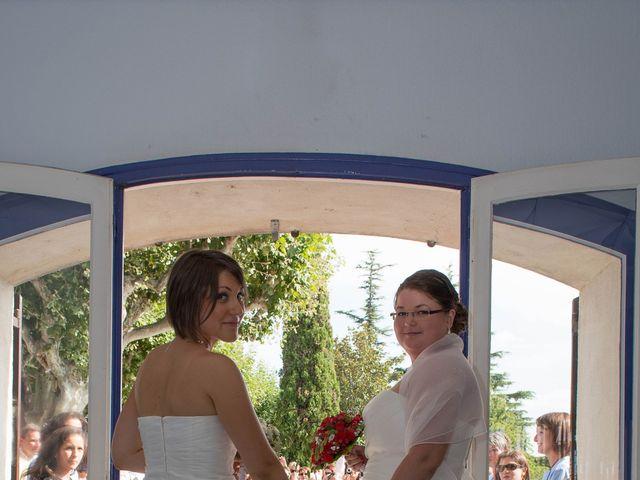 Le mariage de Daria et Emilie à Remoulins, Gard 22