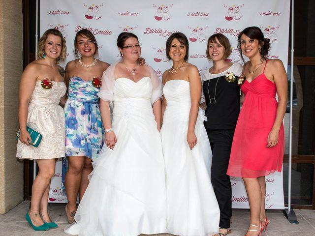 Le mariage de Daria et Emilie à Remoulins, Gard 30