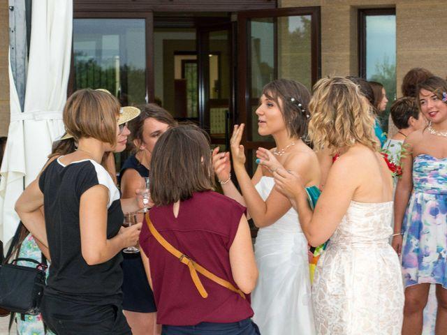 Le mariage de Daria et Emilie à Remoulins, Gard 40