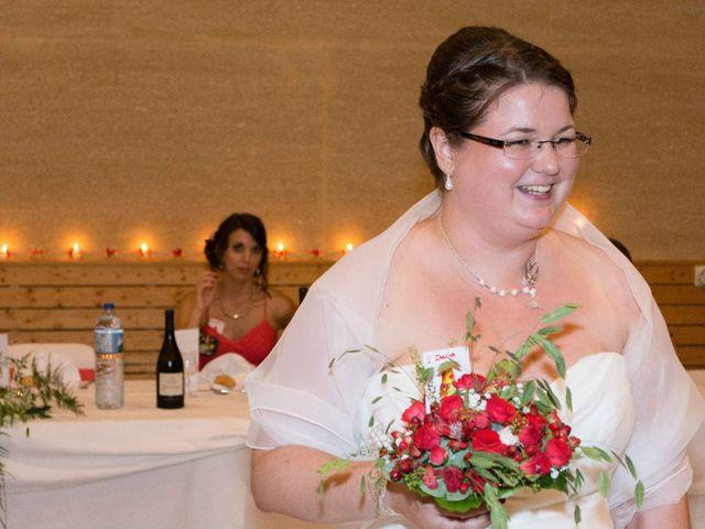 Le mariage de Daria et Emilie à Remoulins, Gard 49