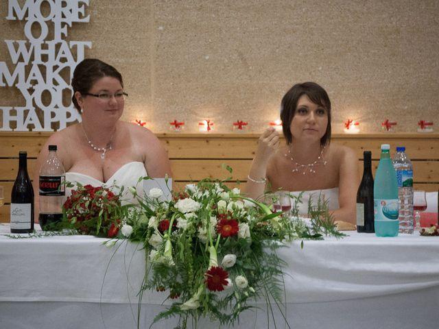 Le mariage de Daria et Emilie à Remoulins, Gard 67