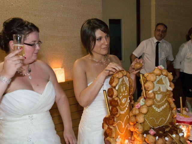 Le mariage de Daria et Emilie à Remoulins, Gard 76
