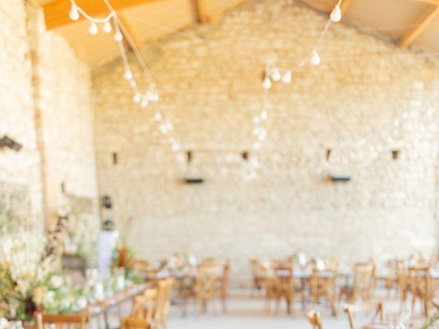 Le mariage de Wiliam et Valerie à Grignan, Drôme 60