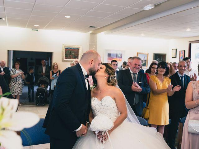 Le mariage de Kévin et Cassandra à Saint-Benoît, Vienne 12