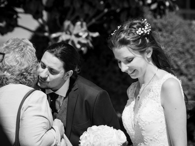 Le mariage de Kevin et Elise à Frouzins, Haute-Garonne 33