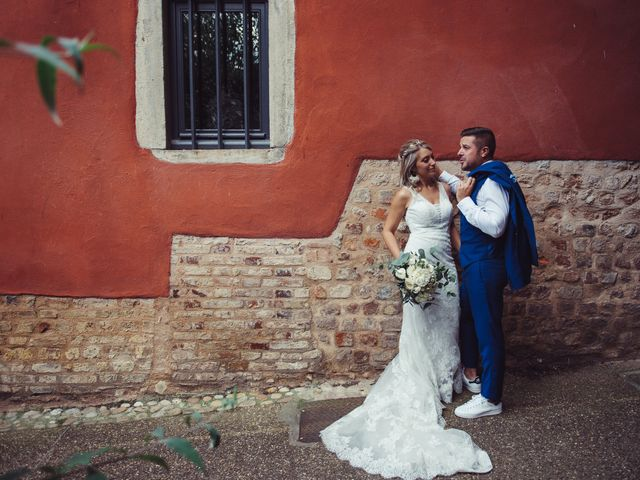 Le mariage de Thomas et Elise à Châtillon-sur-Chalaronne, Ain 30