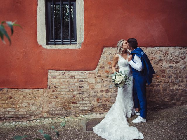 Le mariage de Thomas et Elise à Châtillon-sur-Chalaronne, Ain 31
