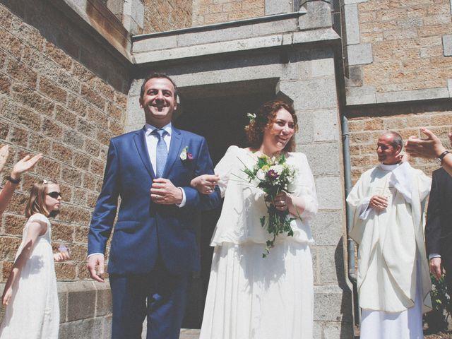 Le mariage de Christophe et Anne-Christine à Granville, Manche 15