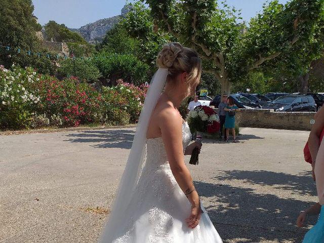 Le mariage de Nicolas et Marine à Velleron, Vaucluse 2
