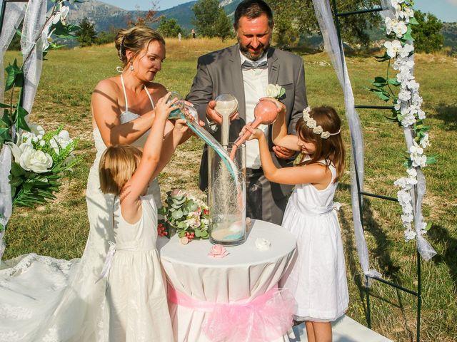 Le mariage de Rene et Laetitia à Gourdon, Alpes-Maritimes 14