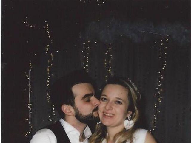 Le mariage de Valentin et Veronika à Saint-Pierre-d'Entremont, Orne 3