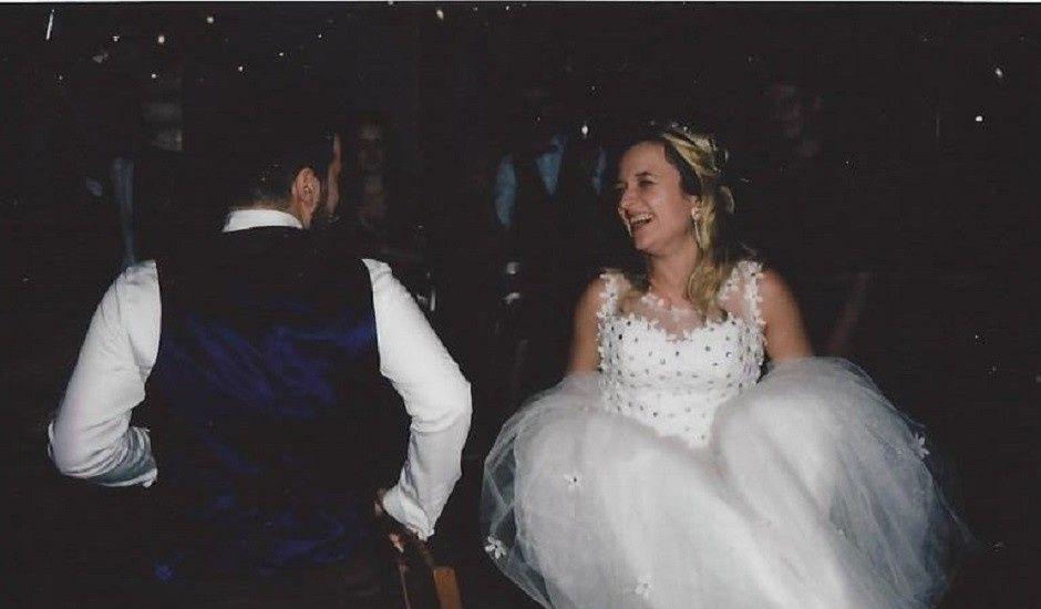 Le mariage de Valentin et Veronika à Saint-Pierre-d'Entremont, Orne