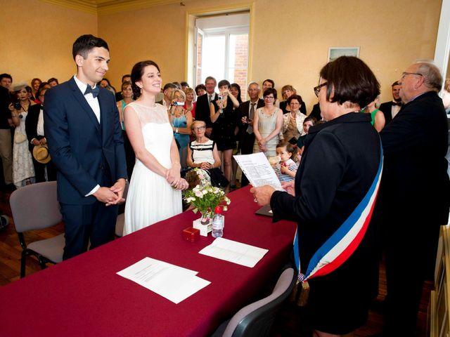 Le mariage de Arnaud et Caroline à Saint-Laurent-sur-Saône, Ain 2
