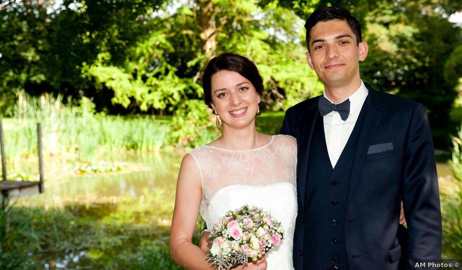 Le mariage de Arnaud et Caroline à Saint-Laurent-sur-Saône, Ain