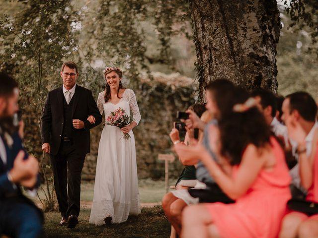 Le mariage de Adrien et Marie à Saint-Dier-d'Auvergne, Puy-de-Dôme 52