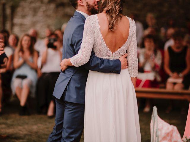 Le mariage de Adrien et Marie à Saint-Dier-d'Auvergne, Puy-de-Dôme 69