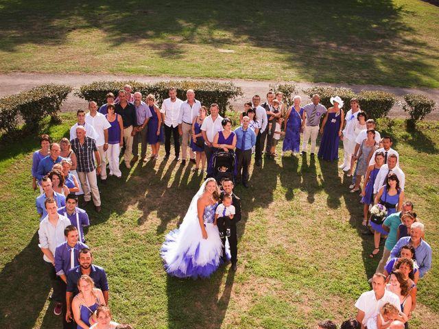 Le mariage de Cedric et Laura à La Rochefoucauld, Charente 9