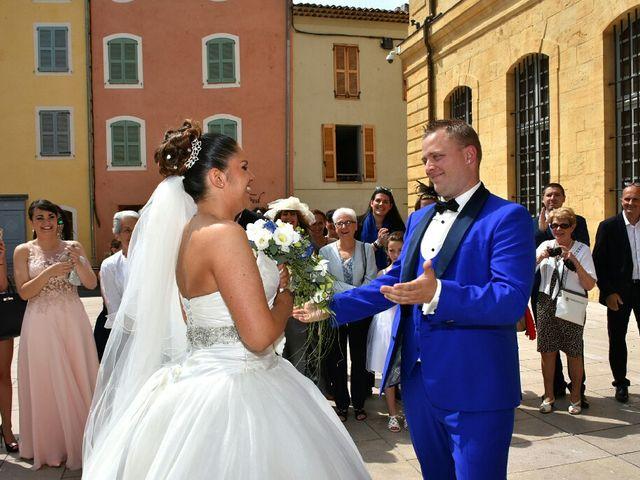 Le mariage de Sylvain  et Laëtitia  à Saint-Maximin-la-Sainte-Baume, Var 5