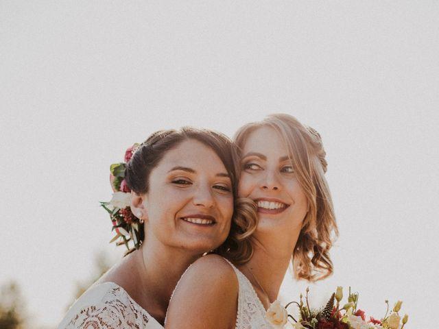 Le mariage de Coralie et Sarah à Loubens, Gironde 29