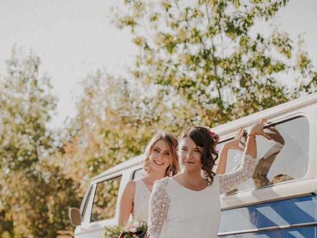 Le mariage de Coralie et Sarah à Loubens, Gironde 32