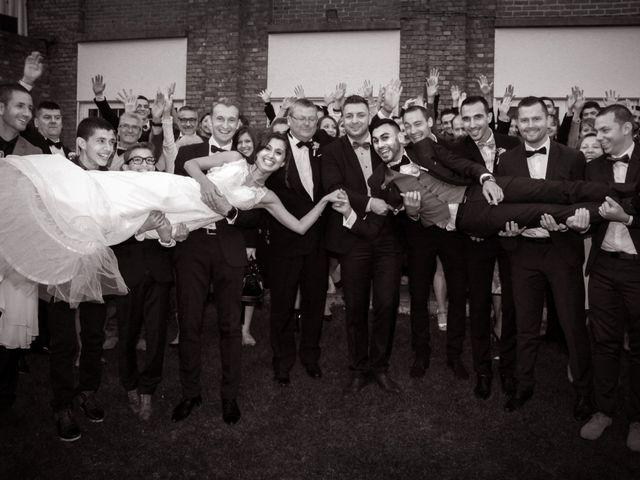 Le mariage de Simon et Sarah à Comines, Nord 28