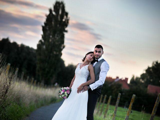 Le mariage de Simon et Sarah à Comines, Nord 33