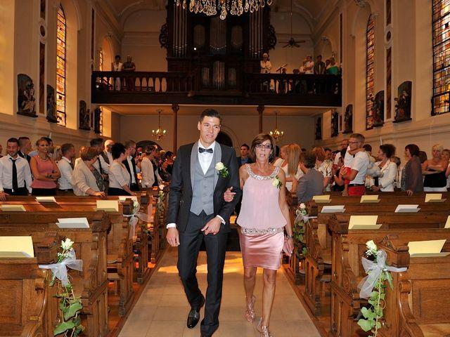 Le mariage de Nils et Chloe à Neufgrange, Moselle 25