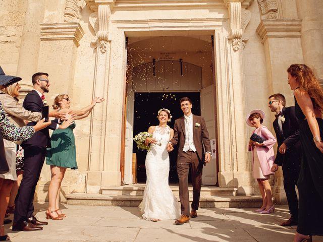 Le mariage de Benjamin et Valentine à Grignan, Drôme 40