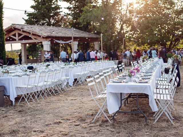Le mariage de Benjamin et Valentine à Grignan, Drôme 1