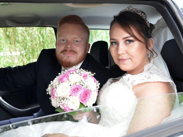 Le mariage de Jonathan et Audrey à Saint-Sauveur, Somme 16