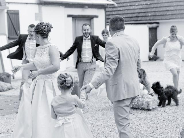 Le mariage de Thomas et Anne-Charlotte à Sandillon, Loiret 14