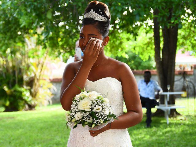 Le mariage de Loic et Aurelie à Le Diamant, Martinique 6