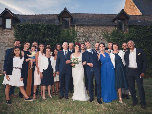 Le mariage de Vincent et Camille à Sarzeau, Morbihan 30