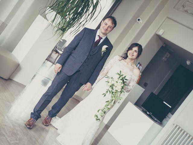 Le mariage de Samuel et Farah à Gondecourt, Nord 30