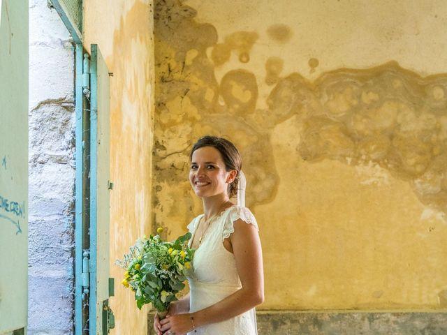 Le mariage de Marc et Anne-Laure à Uzès, Gard 1