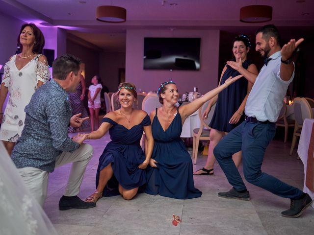 Le mariage de Anthony et Alicia à Roquebrune-sur Argens, Var 54