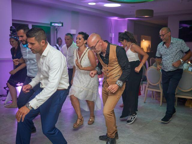 Le mariage de Anthony et Alicia à Roquebrune-sur Argens, Var 60