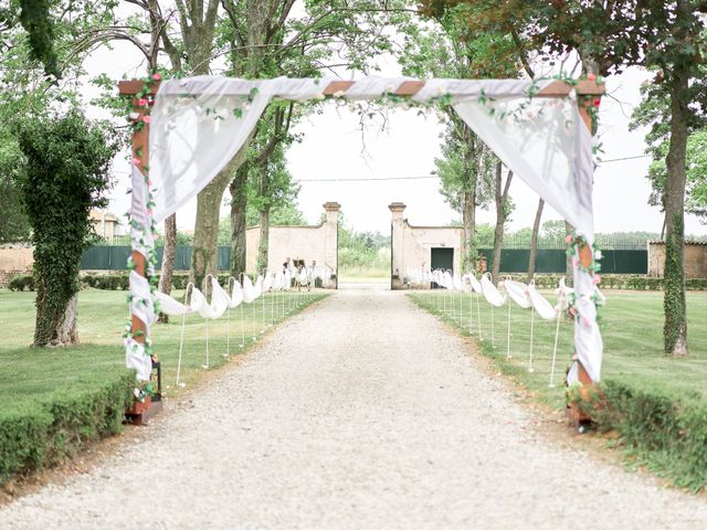 Le mariage de Pierre et Juy à Lapeyrouse-Mornay, Drôme 8