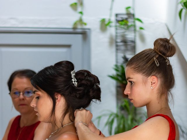 Le mariage de Arnaud et Marine à Cuges-les-Pins, Bouches-du-Rhône 15