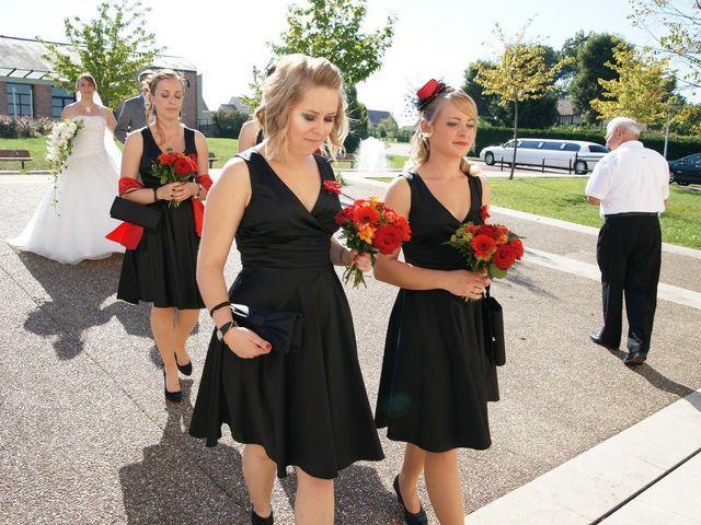 Le mariage de Tony et Severine à Porte-Joie, Eure 6
