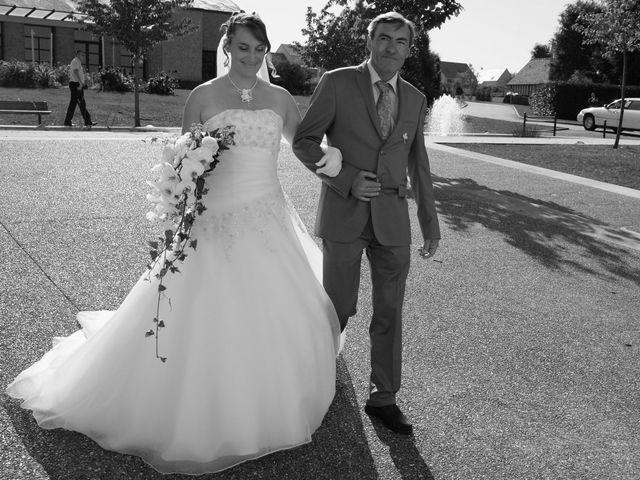 Le mariage de Tony et Severine à Porte-Joie, Eure 7
