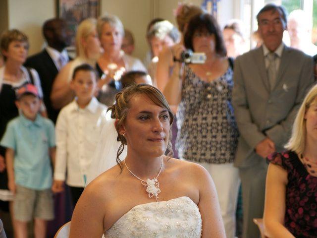Le mariage de Tony et Severine à Porte-Joie, Eure 8