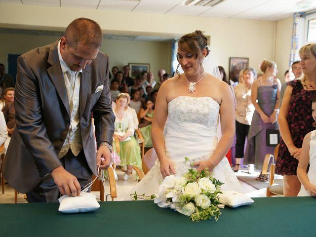 Le mariage de Tony et Severine à Porte-Joie, Eure 13