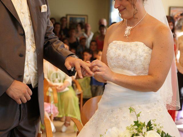Le mariage de Tony et Severine à Porte-Joie, Eure 14