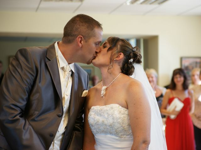 Le mariage de Tony et Severine à Porte-Joie, Eure 15