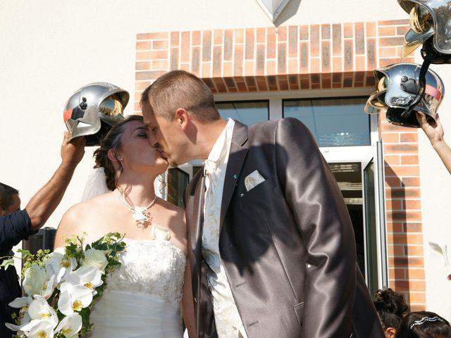 Le mariage de Tony et Severine à Porte-Joie, Eure 21