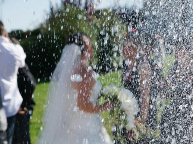 Le mariage de Tony et Severine à Porte-Joie, Eure 22