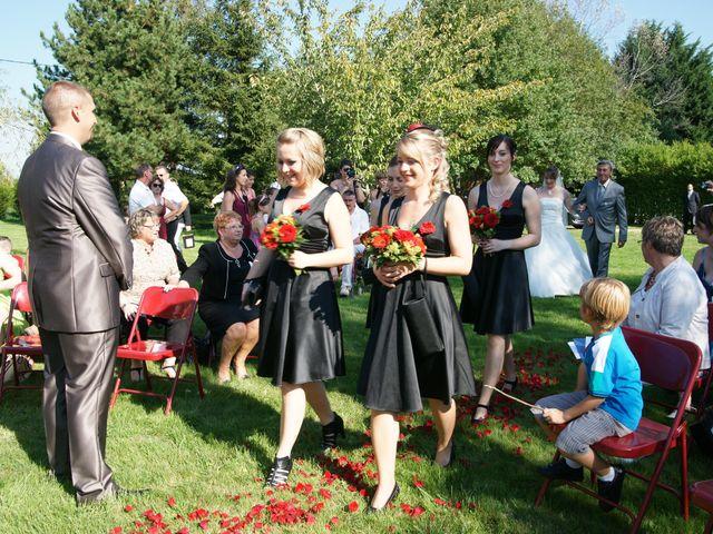 Le mariage de Tony et Severine à Porte-Joie, Eure 25